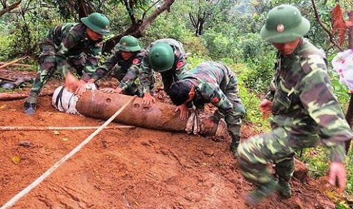Mencenangkan Sayembara  online – Meningkatkan pemahaman dalam mencegah dan menanggulangi kecelakaan karena bom, ranjau dan bahan ledakan di Vietnam - ảnh 1