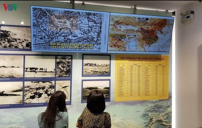 """Warga Kota Ca Mau memprotes Tiongkok yang membentuk """"Distrik Xisha"""" dan """"Distrik Nansha"""" - ảnh 1"""