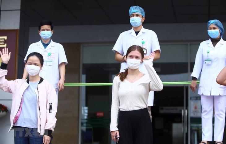 Vietnam memasuki hari ke-11 yang tidak ada kasus terinfeksi Covid-19 baru dalam masyarakat - ảnh 1