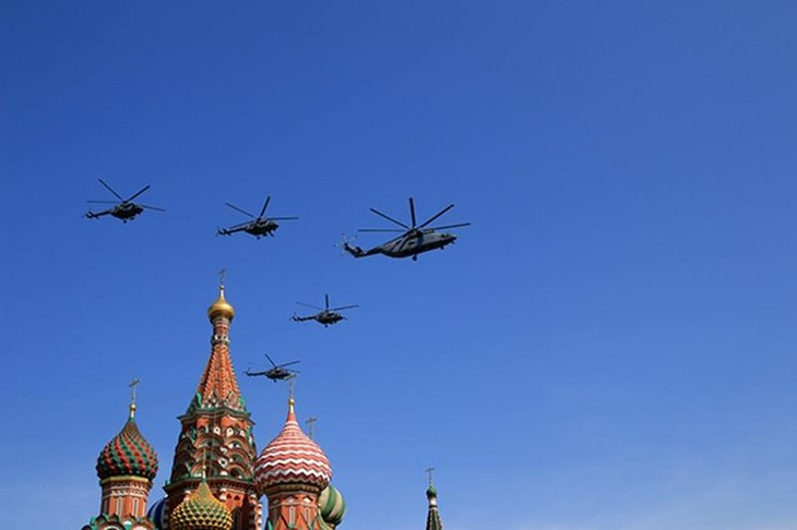 Angkatan udara Rusia berlatih untuk acara peringatan Hari Kemenangan (9/5) - ảnh 1