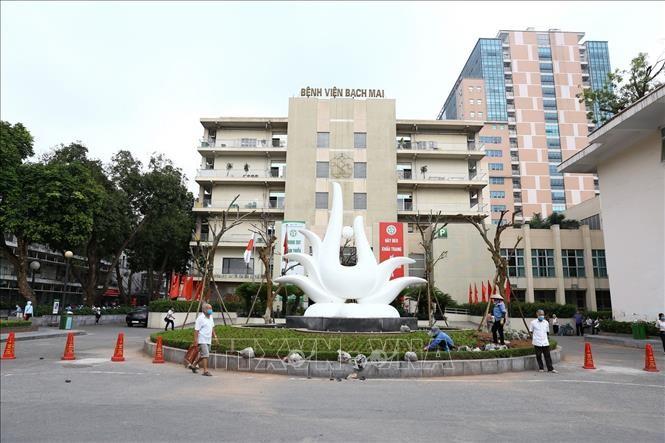 Rumah Sakit Bach Mai resmi memeriksa dan mengobati penyakit kembali - ảnh 1