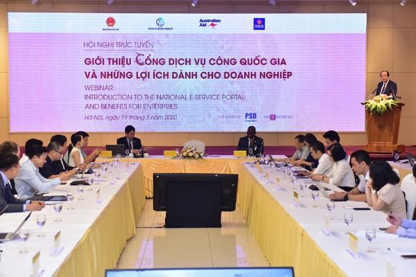 Konferensi memperkenalkan pintu  jasa publik nasional dan kepentingan-kepentingan untuk badan usaha - ảnh 1