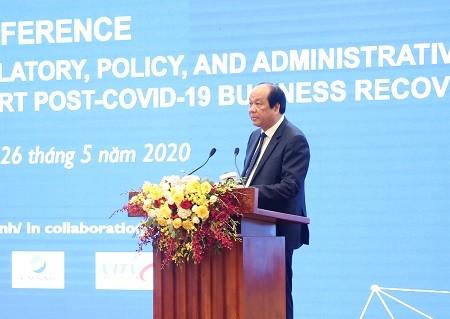 Memberikan rencana dalam melakukan reformasi prosedur administrasi guna membantu badan usaha memulihkan produksi dan bisnis - ảnh 1