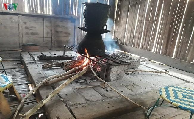 Makna dapur api di rumah panggung dalam kehidupan warga etnis minoritas Thai - ảnh 1