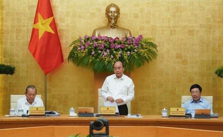 PM Vietnam, Nguyen Xuan Phuc memimpin sidang periodik Pemerintah bulan Mei - ảnh 1