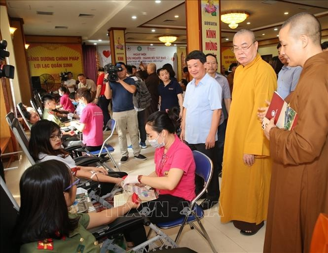 Vietnam aktif menyambut Hari Penyumbangan Darah Dunia (14/6) - ảnh 1