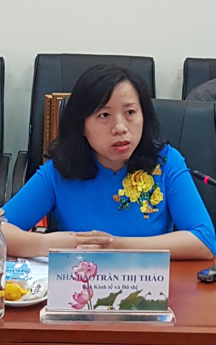 Jurnalis Tran Thi Thao-Teladan cerah dalam mempropagandakan pekerjaan pencegahan dan pemberantasan Covid-19 - ảnh 1