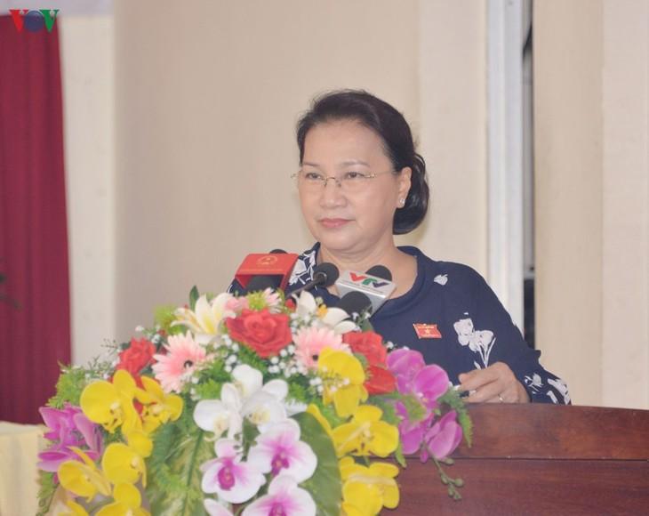 Ketua MN Vietnam, Nguyen Thi Kim Ngan melakukan kontak dengan para pemilih di Distrik Cai Rang, Kota Can Tho - ảnh 1