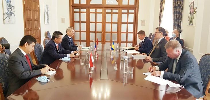 Mendorong hubungan ASEAN-Ukraina - ảnh 1