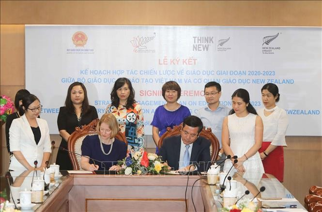 Vietnam-Selandia Baru memperkuat kerjasama di bidang pendidikan-pelatihan, dan pertanian - ảnh 1