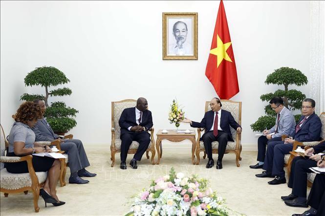 PM Vietnam, Nguyen Xuan Phuc menerima Dubes Nigeria di Vietnam - ảnh 1