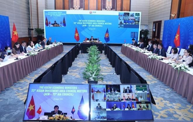 Kebulatan pendapat para Menteri Ekonomi – Dewan Investasi ASEAN dalam semua Protokol - ảnh 1