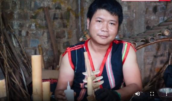 Ro Cham Khanh – Pria Warga Etnis Minoritas Jrai Gandrung pada Instrumen Musik Etnisnya - ảnh 1