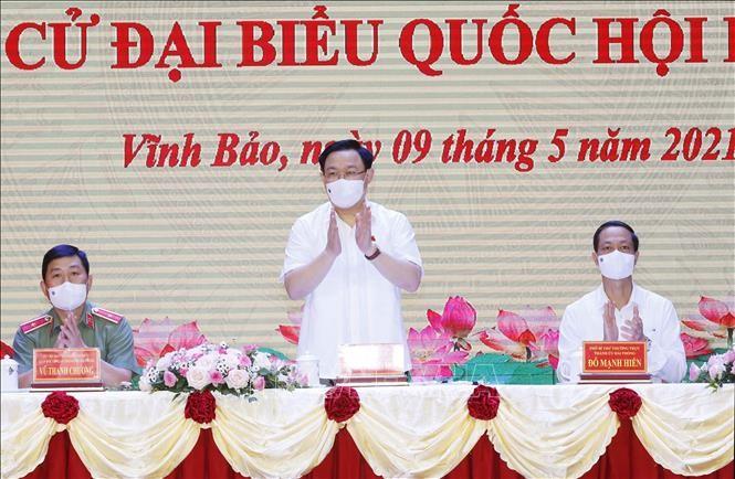 Ketua MN Vuong Dinh Hue Hadir  Kontak dengan Para Pemilih di Kota Hai Phong - ảnh 1