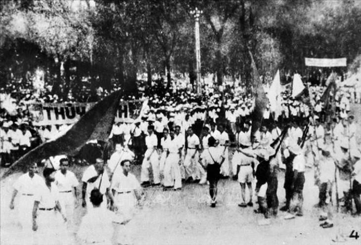 Peringatan HUT ke-76 Hari Revolusi Agustus (19/8/1945-19/8/2021: Ingatkan Hari-Hari Bulan Agustus yang Heroik  - ảnh 8