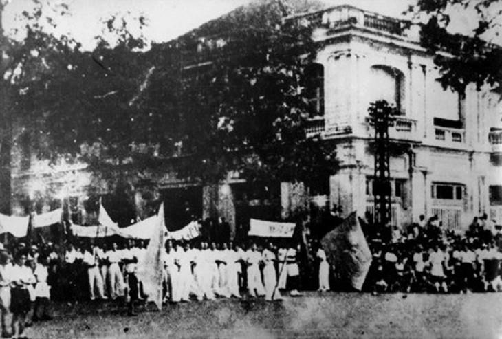 Peringatan HUT ke-76 Hari Revolusi Agustus (19/8/1945-19/8/2021: Ingatkan Hari-Hari Bulan Agustus yang Heroik  - ảnh 7
