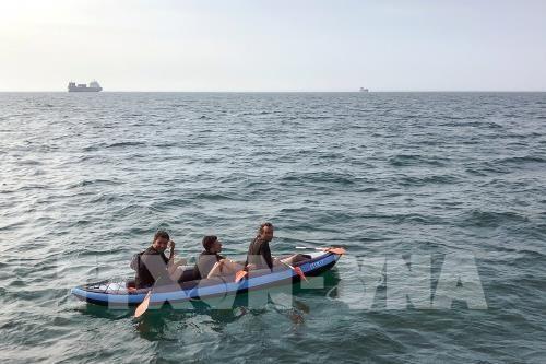 Vingt-deux nouveaux migrants interceptés dans la Manche - ảnh 1
