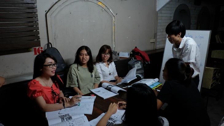 Talks Café, a learning English start-up project by Dinh Minh Quyen - ảnh 1