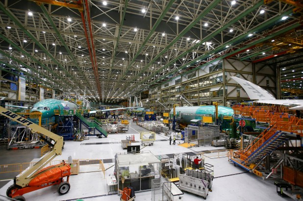 Boeing suspends load test for new 777X aircraft - ảnh 1