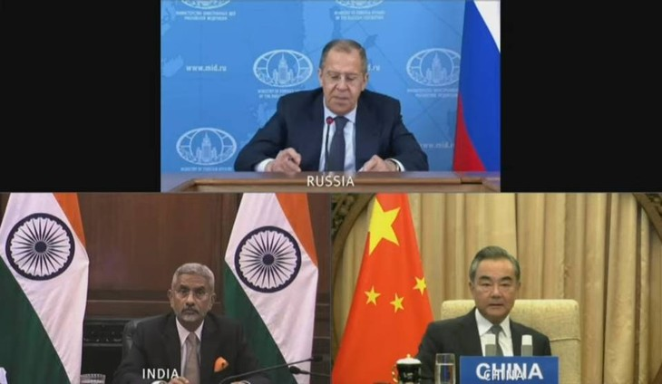 Russia, India, China support relations based on international law - ảnh 1