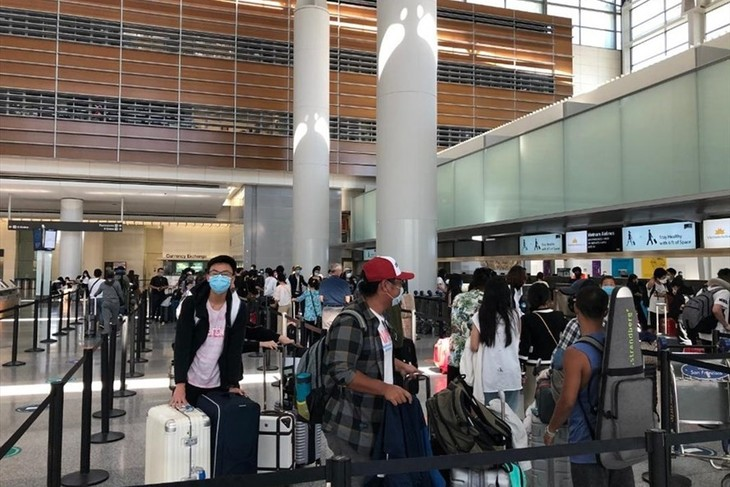280 Vietnamese citizens brought home from the US - ảnh 1