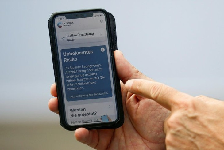 EU tests platform to link coronavirus tracing apps  - ảnh 1