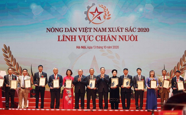 Farmers honored for contributions to agricultural growth - ảnh 1