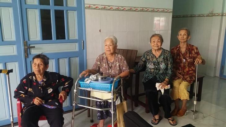 Nursing home for single elderly people - ảnh 3