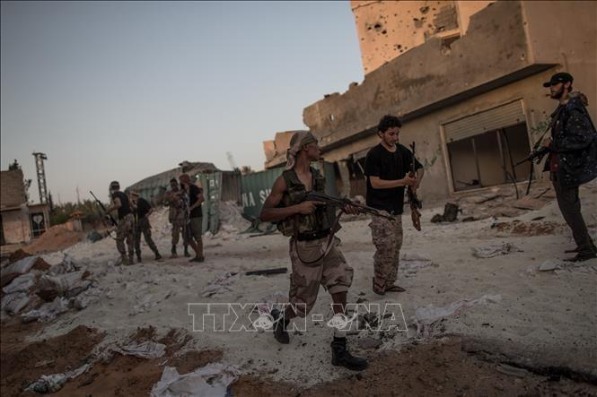 Alarm terhadap bahaya eskalasi perang di Libia  - ảnh 1