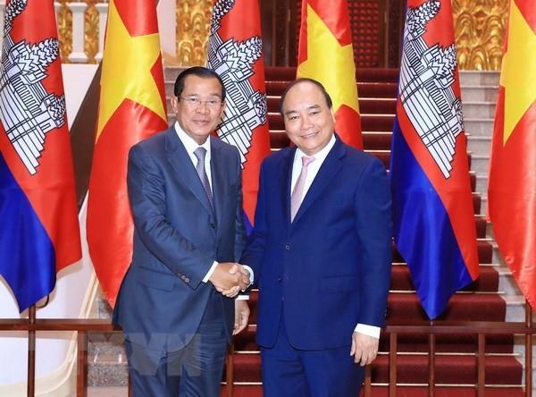 Vietnam dan Kamboja mengembangkan hubungan tetangga baik, persahabatan tradisional, kerjasama komprehensif dan berkelanjutan jangka panjang - ảnh 1