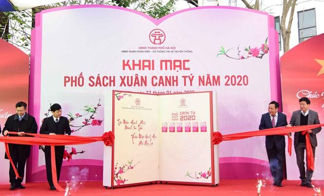 "Kota Hanoi membuka Jalan Buku Musim Semi ""Canh Ty"" - ảnh 1"