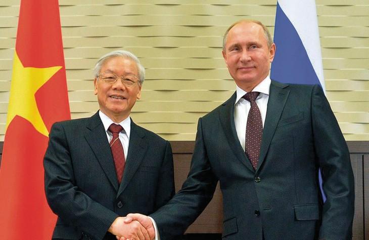 Dalam setiap langkah perkembangan di Vietnam selalu ada selar hubungan persahabatan tradisional dan kerjasama kompreshensif  Vietnam-Rusia - ảnh 1