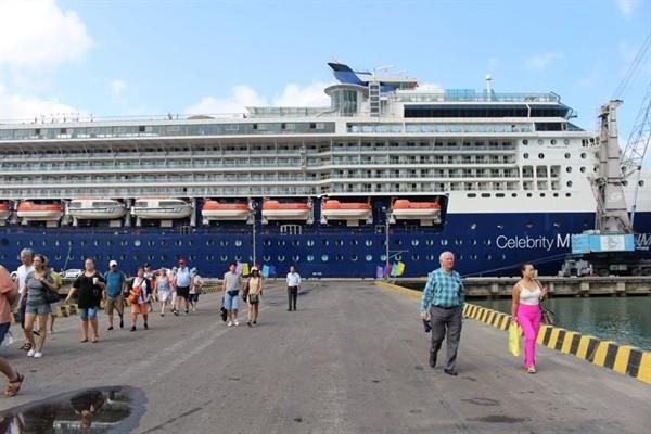 Wabah radang pernapasan akut akibat virus Corona: Australia melarang kapal asing yang transit atau berasal dari Tiongkok berlabuh di pelabuhan negara ini - ảnh 1