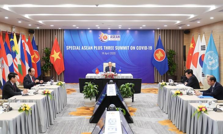 PM Nguyen Xuan Phuc: ASEAN+3 mempunyai tradisi kerjasama menghadapi tantangan-tantangan secara efektif   - ảnh 1