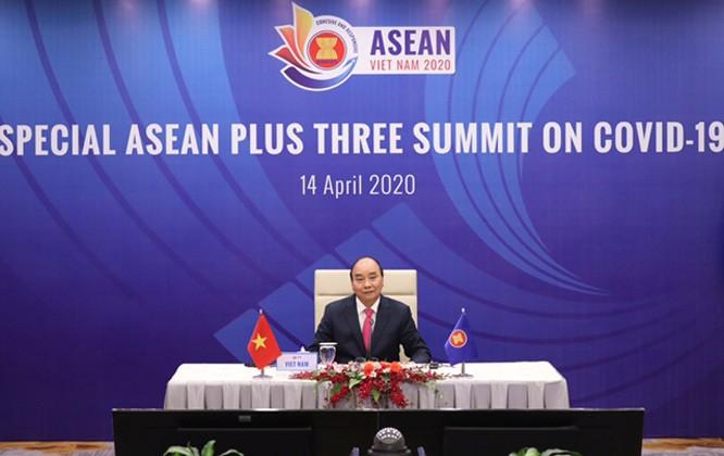 Opini umum pers tentang KTT  Khusus ASEAN dan  KTT Khusus ASEAN+3 - ảnh 1