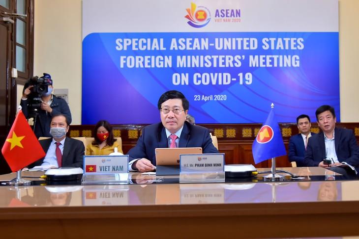 ASEAN dan AS melakukan konferensi Menlu tentang kerjasama menghadapi wabah Covid-19 - ảnh 1
