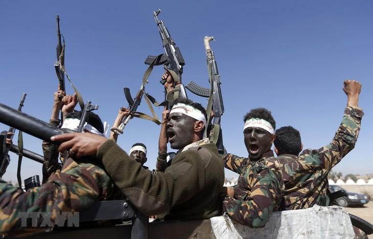 Yaman: Pasukan pembangkang Houthi mengeluarkan pernyataan tentang masalah gencatan senjata - ảnh 1