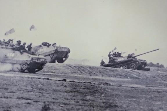 Tanggal 26/4/1975, Operasi Ho Chi Minh resmi dimulai - ảnh 1
