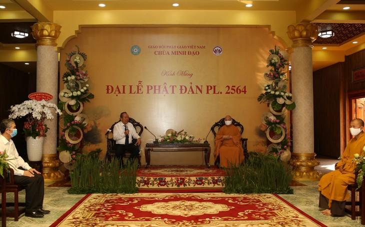 Deputi Harian PM Vietnam, Truong Hoa Binh mengucapkan selamat Hari Waisak Tahun 2564 kalender Buddha - ảnh 1