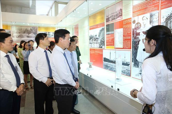 "Pembukaan pameran tematik dengan tema: ""Ho Chi Minh – sketsa-sketsa potret"" - ảnh 1"