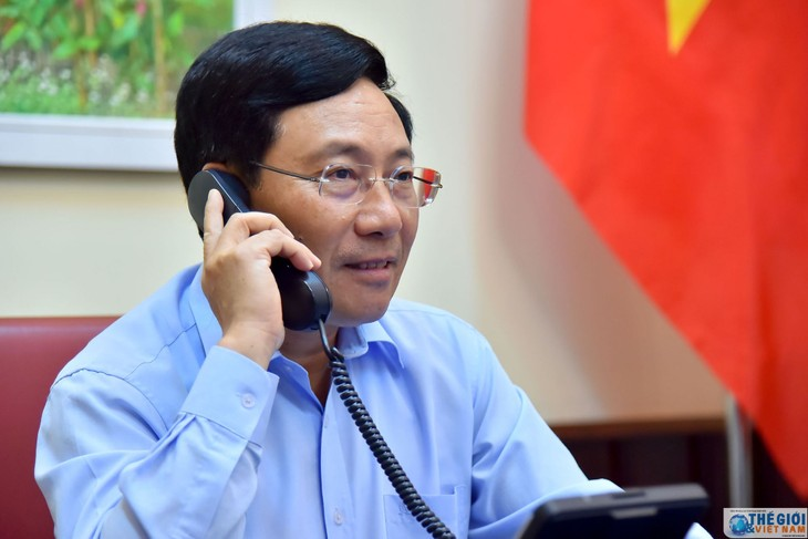 Deputi PM, Menlu Vietnam, Pham Binh Minh melakukan pembicaraan telepon dengan Menlu Kanada - ảnh 1