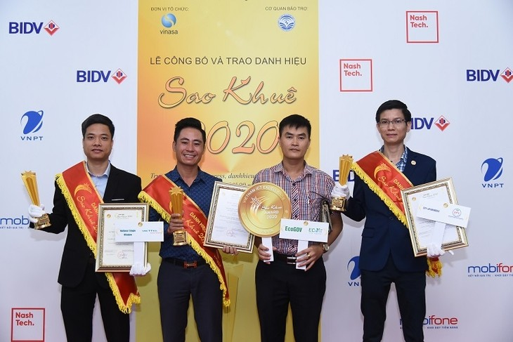 """Gelar """"Sao Khue 2020"""" memberikan kontribusi pada proses transformasi digital di Vietnam - ảnh 1"""