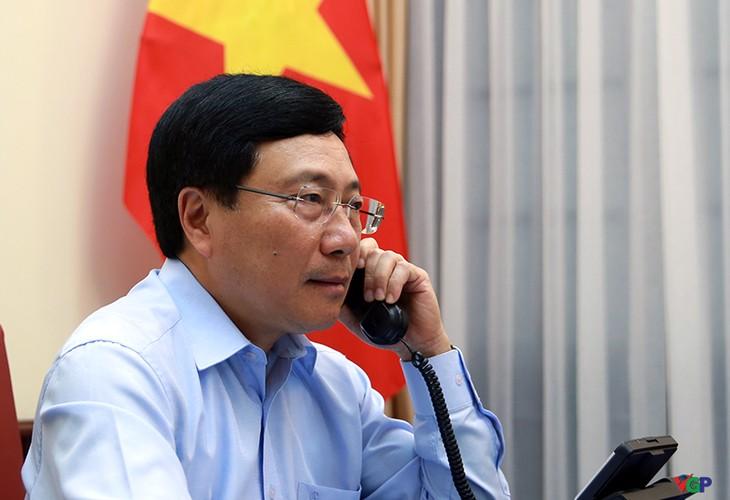 Vietnam – Italia membahas langkah-langkah koordinasi untuk mencegah dan memberantas wabah, memperkuat kerjasama bilateral dan multilateral - ảnh 1