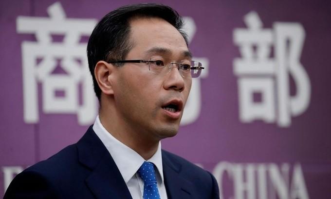 Tiongkok menuduh AS melanggar peraturan WTO ketika menarik status perdagangan khusus terhadap Hong Kong - ảnh 1