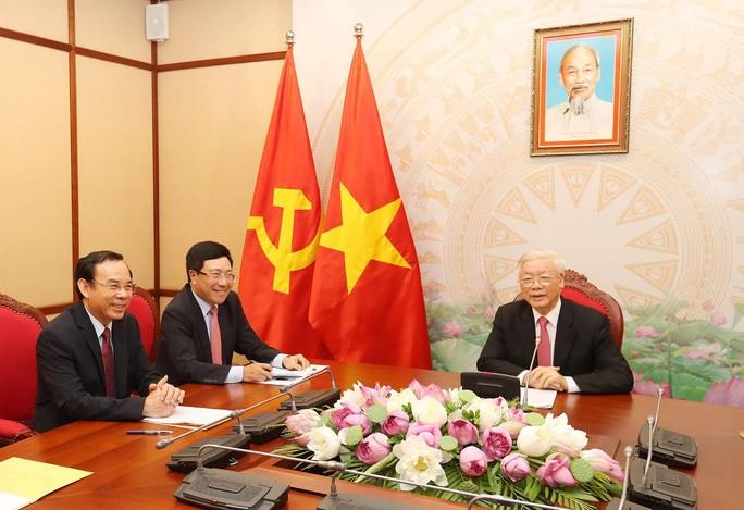 Sekjen,  Presiden  Vietnam, Nguyen Phu Trong melakukan pembicaraan telepon dengan Presiden Federasi Rusia, Vladimir Putin - ảnh 1