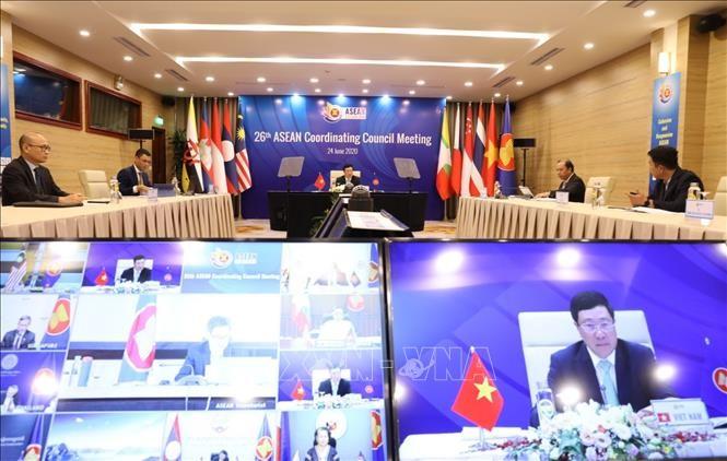 Pers Laos memberitakan secara menonjol konferensi-konferesni ASEAN - ảnh 1