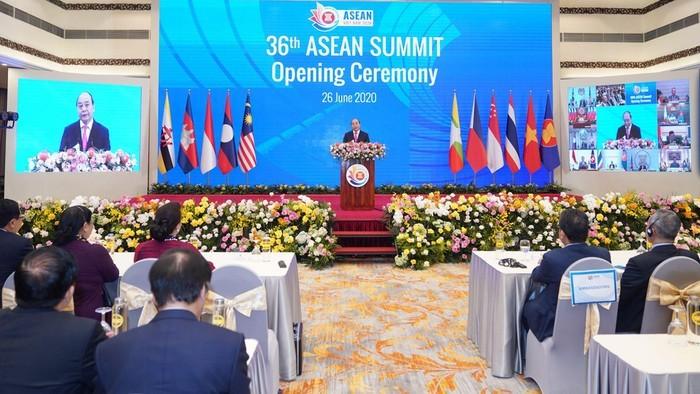 KTT ke-36 ASEAN: Bersatu untuk membawa ASEAN mengatasi tahap kesulitan - ảnh 1