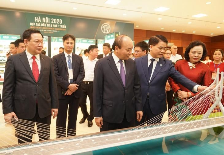 """PM Nguyen Xuan Phuc menghadiri Konferensi: """"Hanoi 2020 – Kerjasama Investasi dan Perkembangan"""" - ảnh 1"""