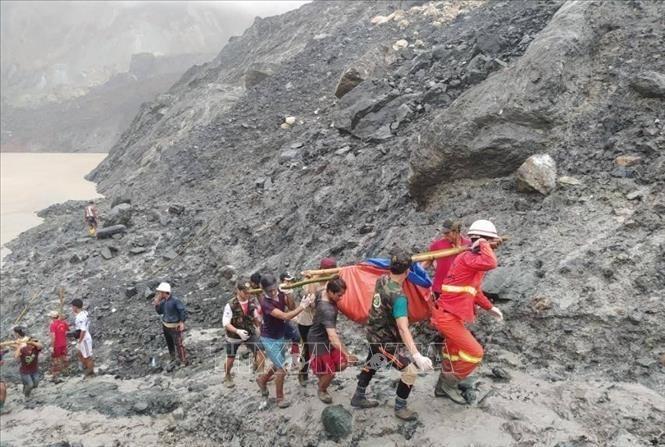 Jumlah korban tewas dalam tanah longsor di Myanmar mencapai lebih dari 160 orang - ảnh 1