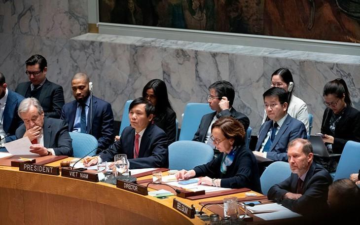 Vietnam mendorong lebih lanjut lagi semua perhatian dan prioritas tentang penguatan multilateralisme dengan sentralitas PBB - ảnh 1